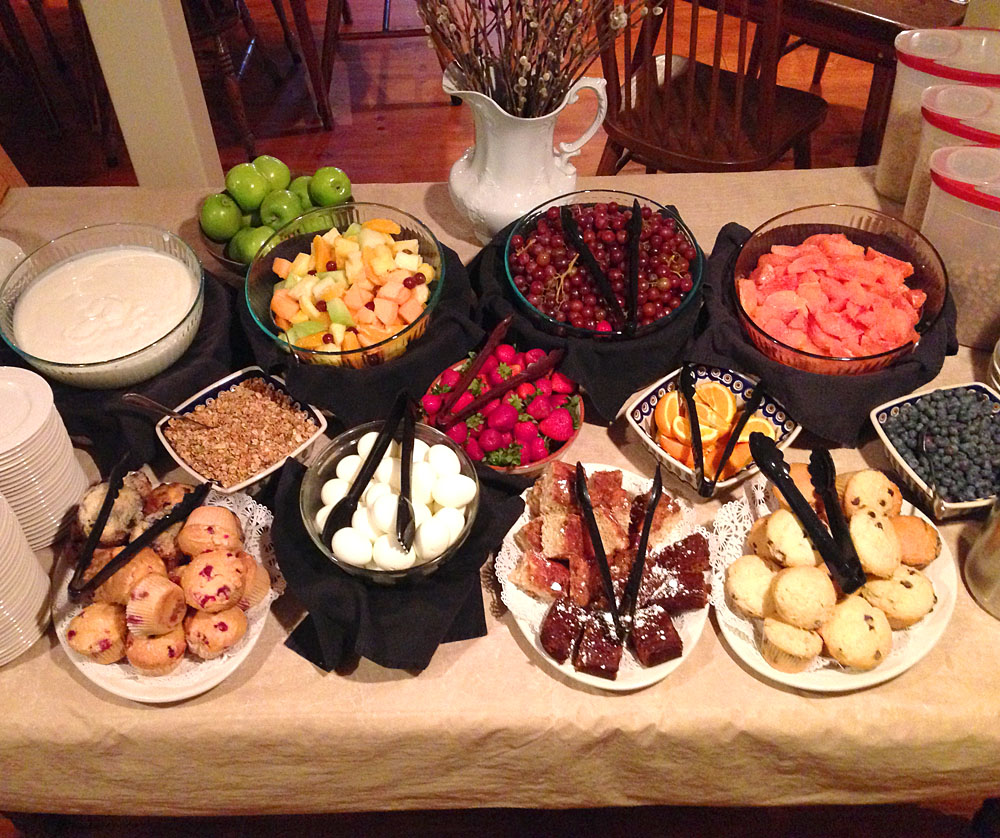 Romantic New England Inn offers romance package that includes full country breakfast for two.