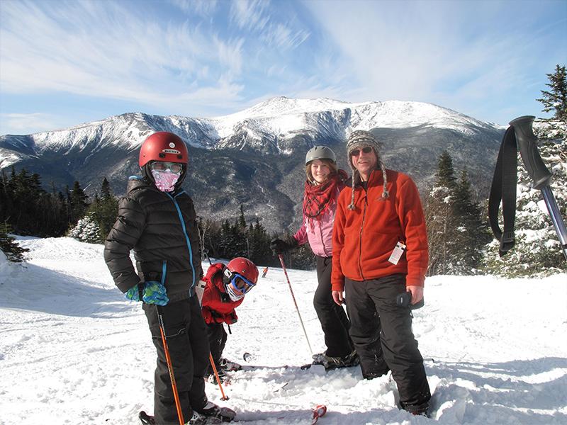 Image of Skiiers near our White Mountain Ski Hotel