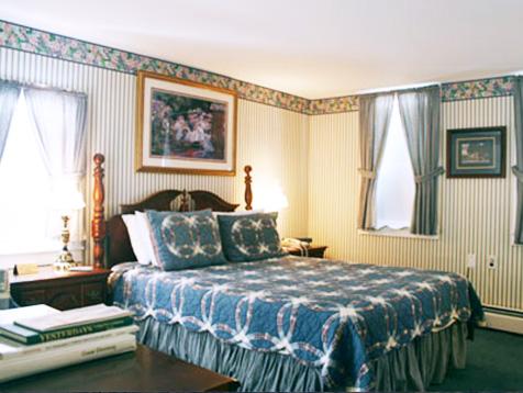 Jackson NH Inn Room called Blitzen