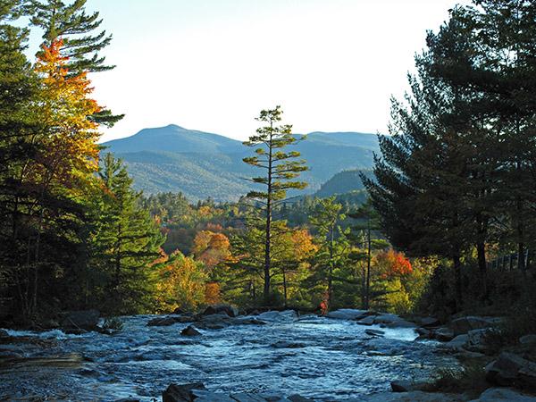 Come enjoy the White Mountains fall foliage