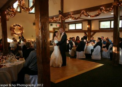 christmas-farm-inn-barn-wedding10