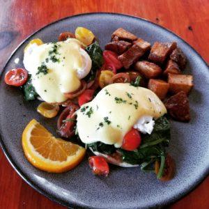 Enjoy breakfast at our White Mountains Hotel restaurant