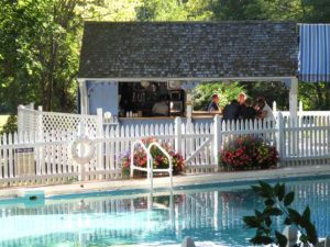 Our White Mountains hotel features indoor and outdoor pools